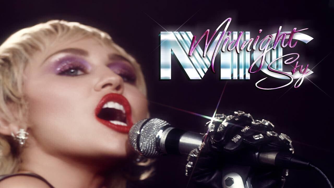 """Miley Cyrus, Yeni Şarkısı """"Midnight Sky"""" ile Tekrar Karşımızda"""